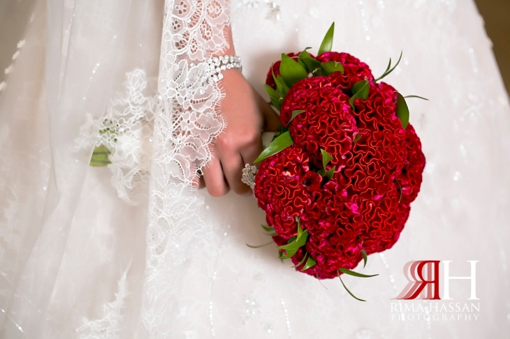 al_jawaher_sharjah_wedding_dubai_female_photographer_rima_hassan_bridal_bouquet_qasr-al-joori