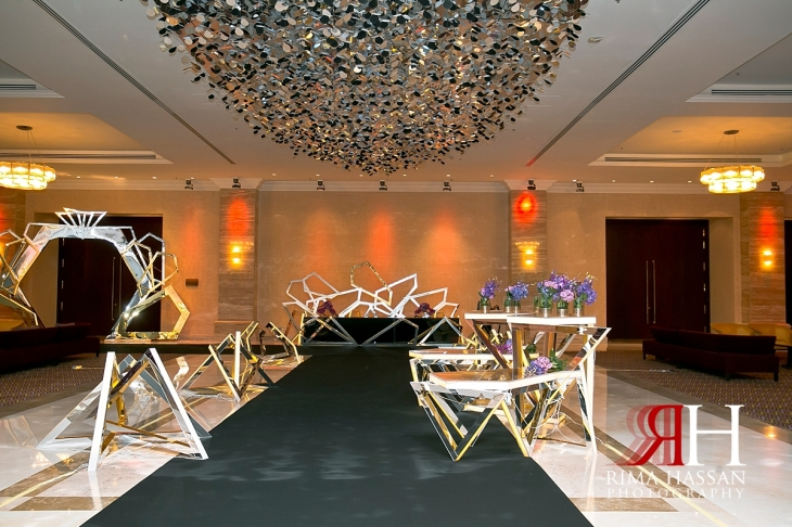 al_jawaher_sharjah_wedding_dubai_female_photographer_rima_hassan_kosha_stage_decoration_entrance