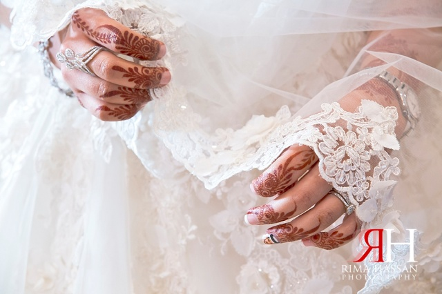 Trade_Center_Wedding_Female_Photographer_Dubai_UAE_Rima_Hassan_bride_veil_hands