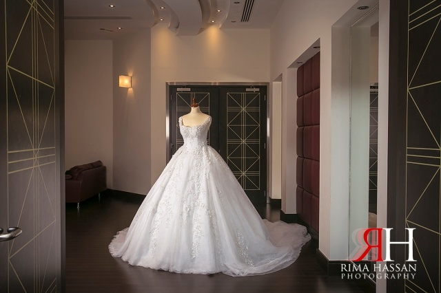 zabeel_trade_center_wedding_female_photographer_dubai_uae_rima_hassan_bridal_gown_hazar
