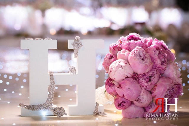 zabeel_trade_center_wedding_female_photographer_dubai_uae_rima_hassan_bridal_jewelry_bouquet