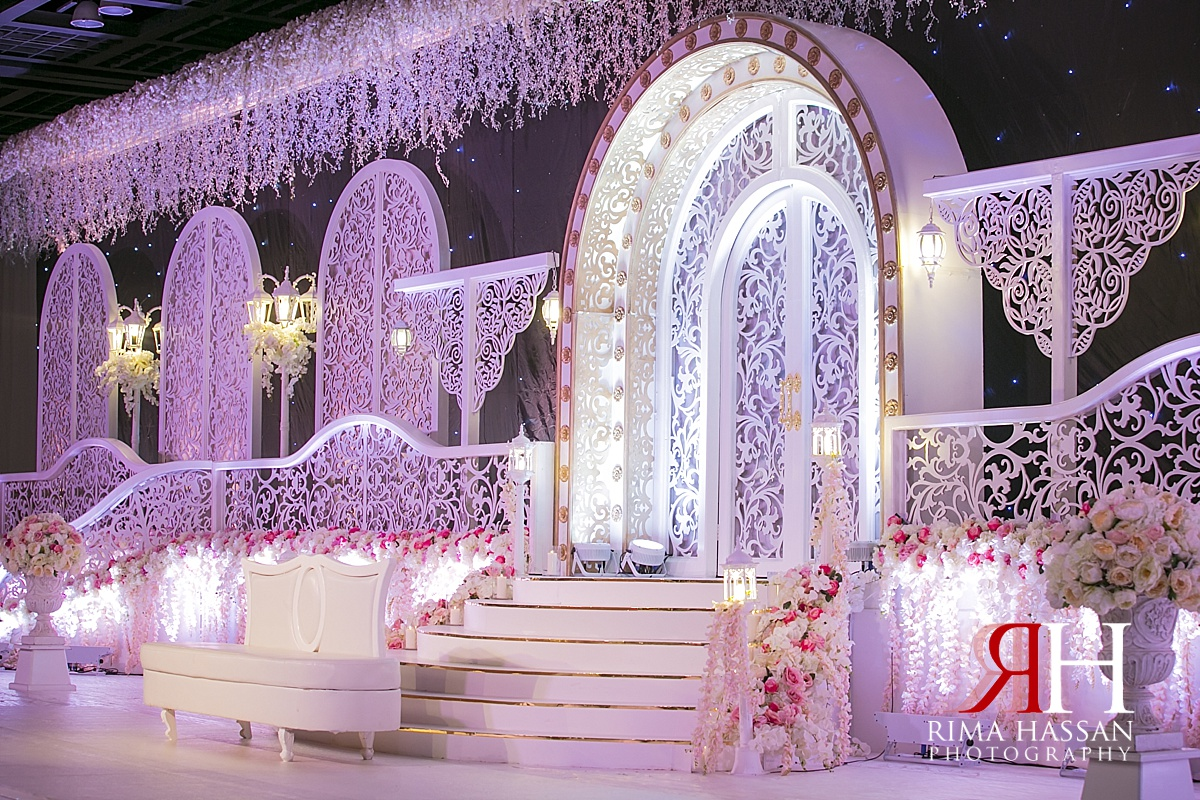 Zabeel hall dwtc wedding huda ibrahim rima hassan for Arab wedding stage decoration