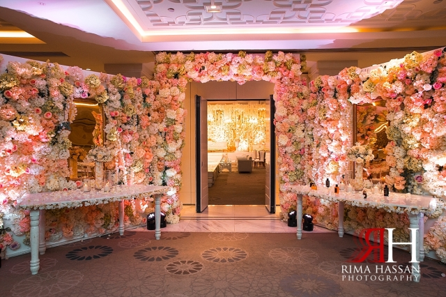 hyatt_regency_wedding_dubai_female_photographer_rima_hassan_kosha_decoration_stage_entrance