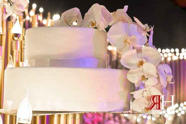 intercontinental_festival_wedding_dubai_female_photographer_rima_hassan_cake_detail