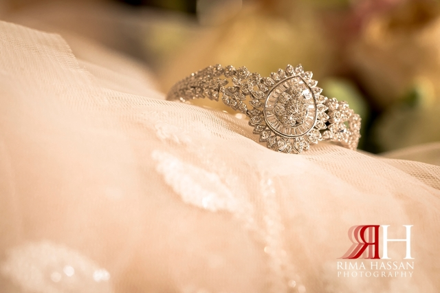 aloft_abu_dhabi_female_wedding_photographer_rima_hassan_bridal_jewelry_bracelet