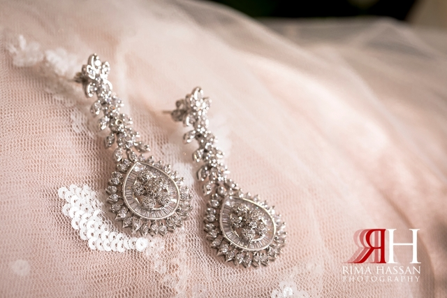 aloft_abu_dhabi_female_wedding_photographer_rima_hassan_bridal_jewelry_earrings