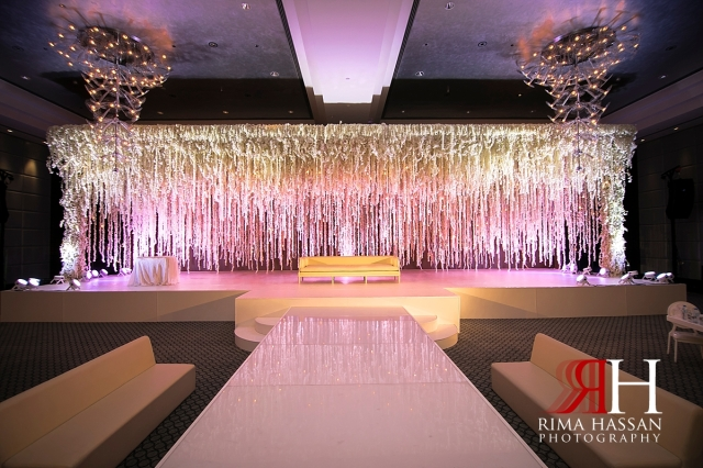 aloft_abu_dhabi_female_wedding_photographer_rima_hassan_stage_kosha_decoration