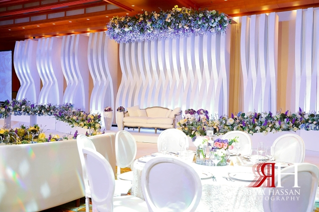 ritz_carlton_dubai_female_wedding_photographer_rima_hassan_kosha_afkar_stage_decoration