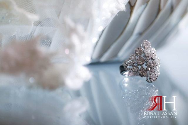 al-jawaher_sharjah_female_wedding_photographer_rima_hassan_jewelry_bride_ring