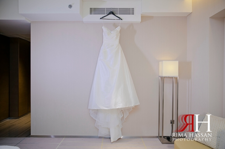 hyatt_regency_creek_dubai_female_photographer_rima_hassan_bridal_dress_esposa