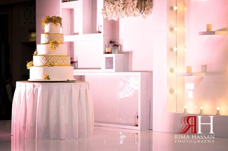 mina_salam_wedding_dubai_female_photographer_rima_hassan_kosha_stage_decoration_cake