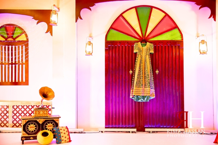 zabeel_ladies_club_dubai_female_wedding_photographer_rima_hassan_kosha_decoration_stage_dress_bahrain