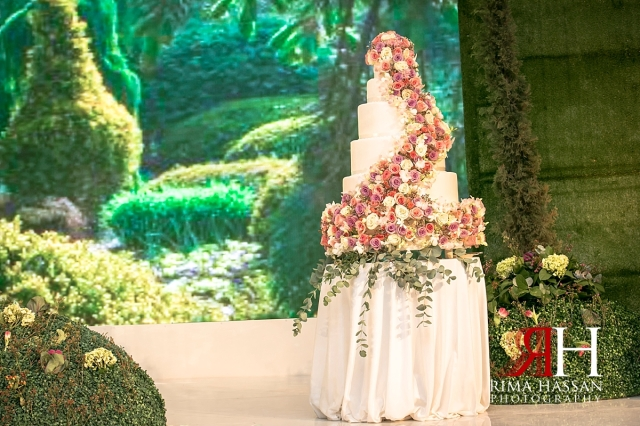 Grand_Hyatt_Dubai_Wedding_Female_Photographer_Rima_Hassan_decoration_cake