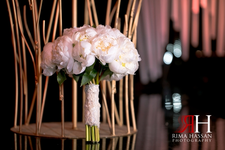 grand_hyatt_wedding_dubai_female_photographer_rima_hassan_bridal_bouquet