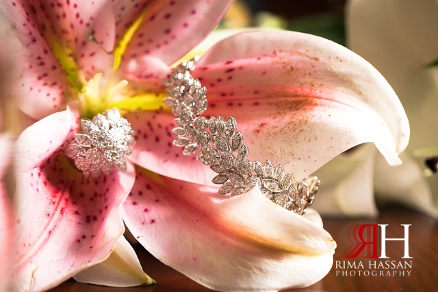 grand_hyatt_wedding_dubai_female_photographer_rima_hassan_bridal_jewelry_bracelet