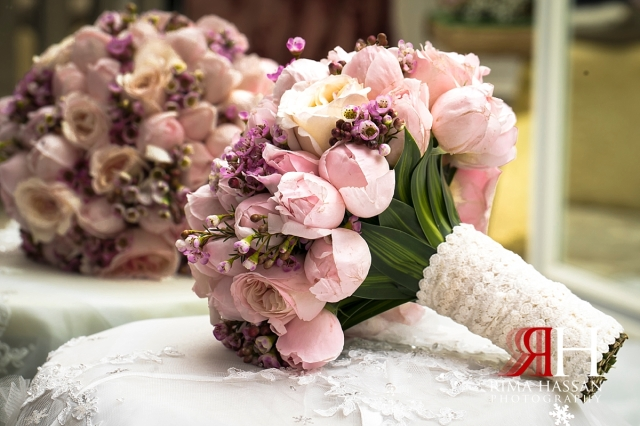 Hyatt_Regency_Dubai_Wedding_Female_Photographer_Rima_Hassan_bridal_bouquet