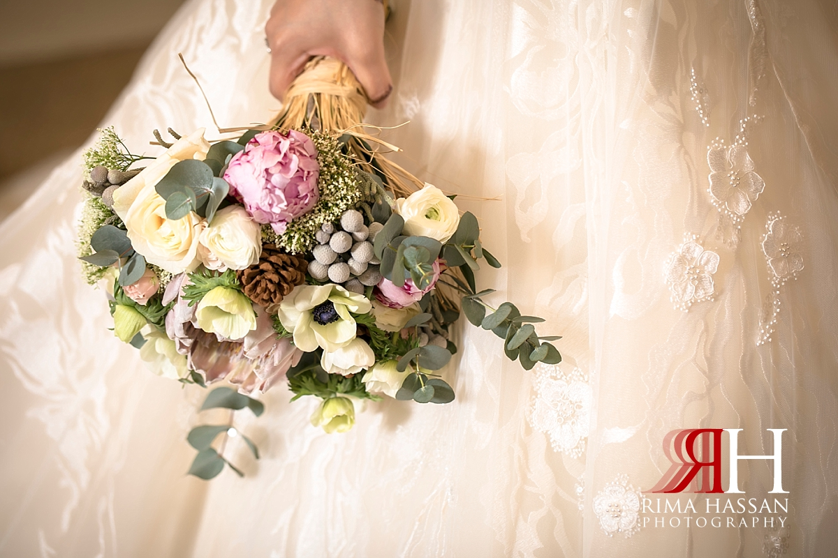 Jawaher_Sharjah_Wedding_Dubai_Female_Photographer_Rima_Hassan_bridal_moz_flowers_bouquet