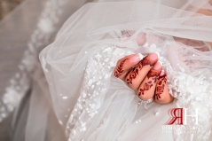 Jawaher_Sharjah_Wedding_Dubai_Female_Photographer_Rima_Hassan_bridal_veil_details