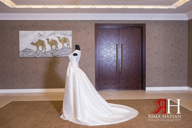 Dubai_Wedding_Female_Photographer_Rima_Hassan_bridal_robe