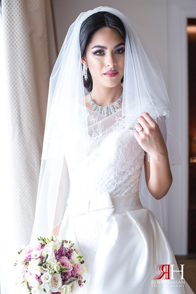 Dubai_Wedding_Female_Photographer_Rima_Hassan_bride_stunning