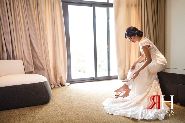 Dubai_Wedding_Female_Photographer_Rima_Hassan_bride_wearing_shoes