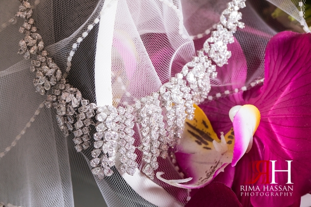 Dubai_Wedding_Female_Photographer_Rima_Hassan_jewelry_diamonds_necklace