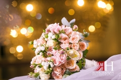 Le-Meridien_Dubai_Wedding_Female_Photographer_Rima_Hassan_bridal_bouquet_moz_flowers