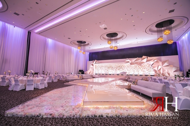 Le-Meridien_Dubai_Wedding_Female_Photographer_Rima_Hassan_dream_stage_kosha_decoration