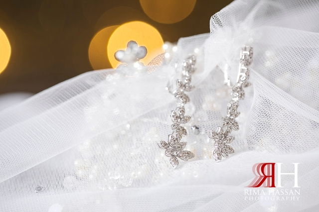 Le-Meridien_Dubai_Wedding_Female_Photographer_Rima_Hassan_stage_kosha_decoration_earrings