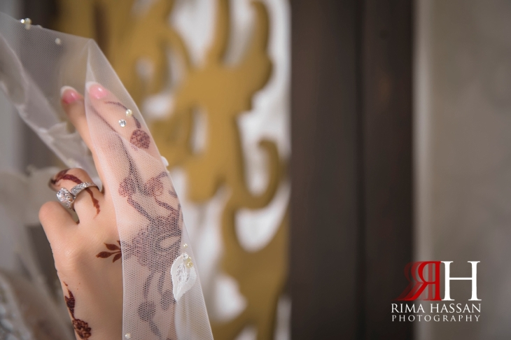 Royal_Hall_Khorfokan_Wedding_Female_Photographer_Rima_Hassan_bride_henna