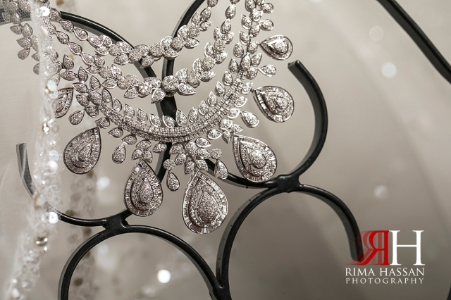 Salalah_Oman_Wedding_Female_Photographer_Rima_Hassan_bride_jewelry_necklace