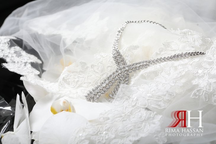 RAK_Wedding_Female_Photographer_Rima_Hassan_bride_jewelry_necklace