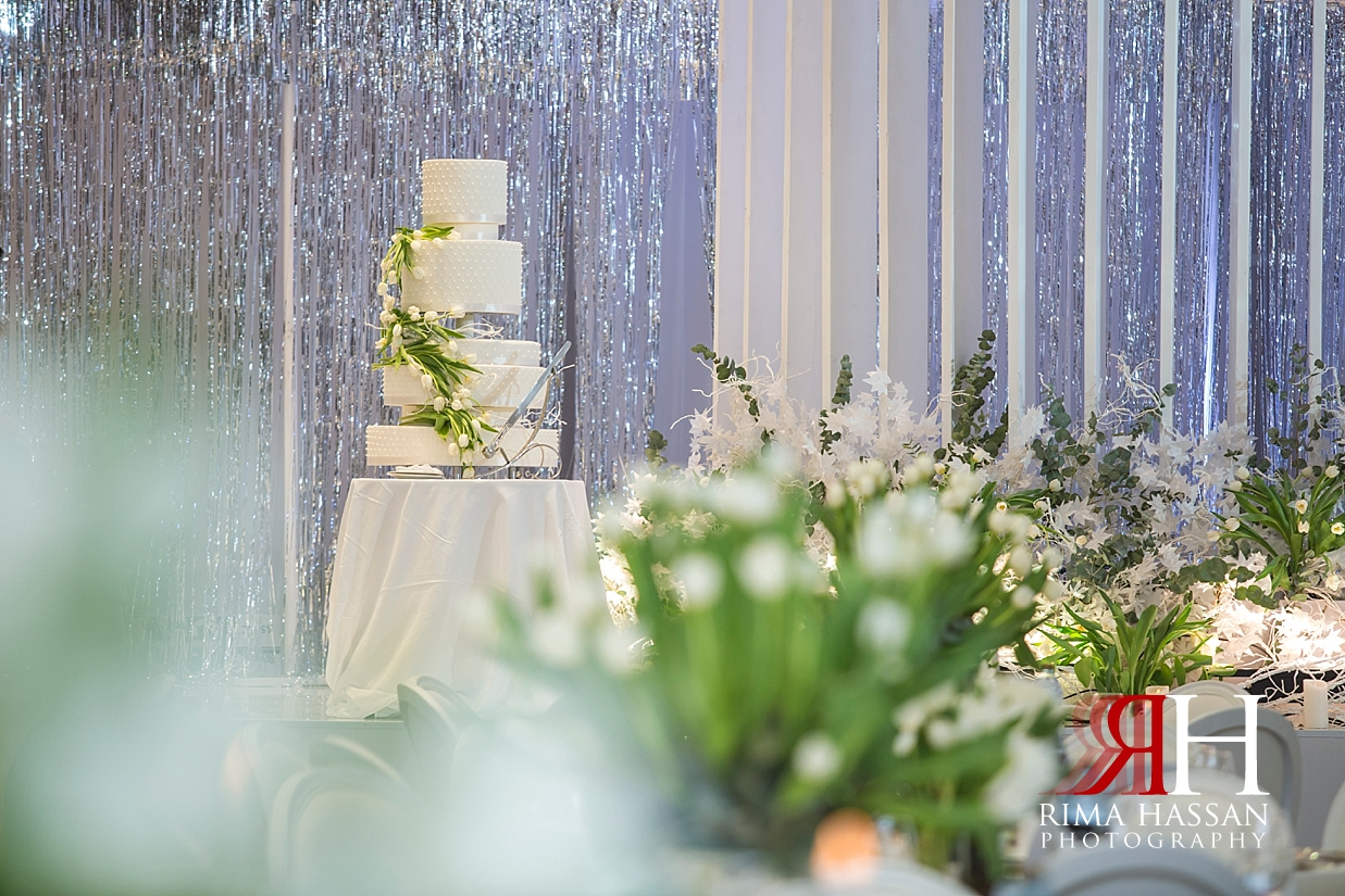 Saint_Regis_Dubai_Wedding_Female_Photographer_Rima_Hassan_stage_kosha_decoration_cake