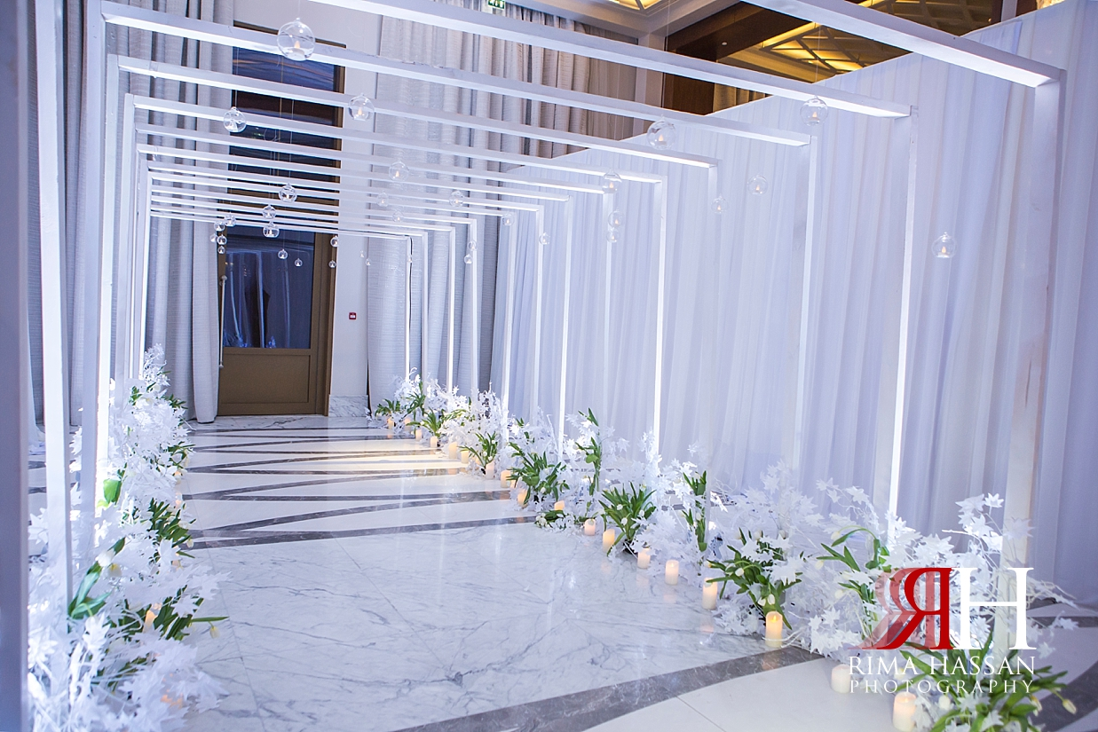 Saint_Regis_Dubai_Wedding_Female_Photographer_Rima_Hassan_stage_kosha_decoration_entrance
