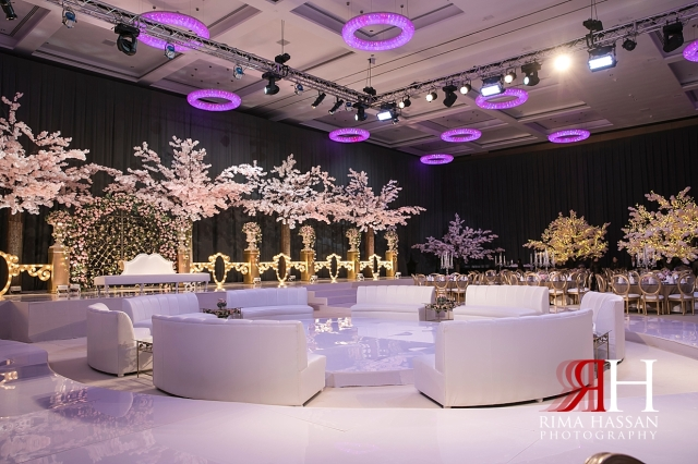Etihad_Tower_Abu-Dhabi_Wedding_Female_Dubai_Photographer_Rima_Hassan_kosha_decoration_tibru_stage