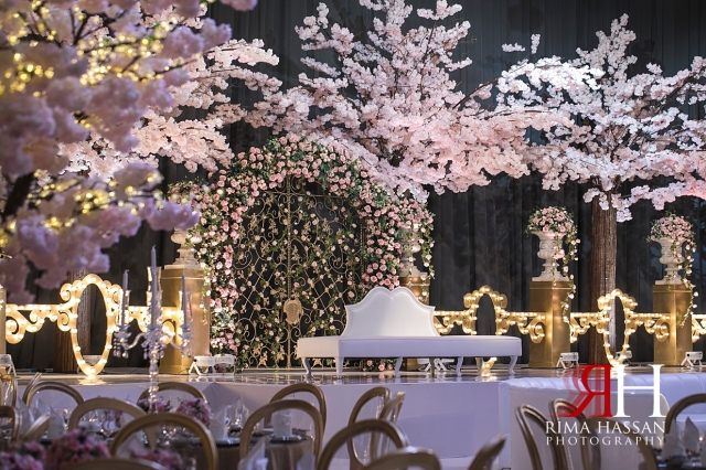 Etihad_Tower_Abu-Dhabi_Wedding_Female_Dubai_Photographer_Rima_Hassan_kosha_stage_decoration_tibru