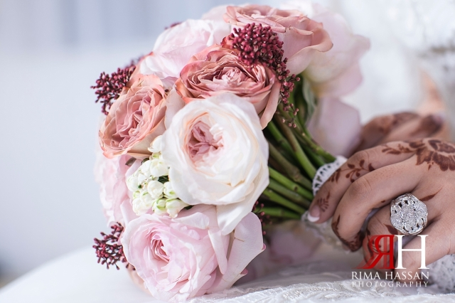 InterContinental_Festival_Wedding_Female_Dubai_Photographer_Rima_Hassan_bride_bouquet_dentel