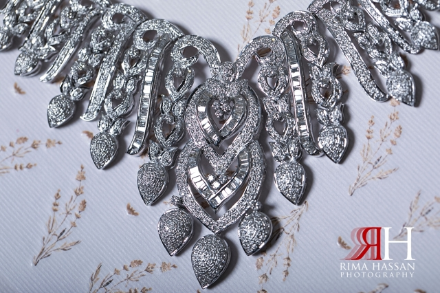 InterContinental_Festival_Wedding_Female_Dubai_Photographer_Rima_Hassan_bride_jewelry_necklace