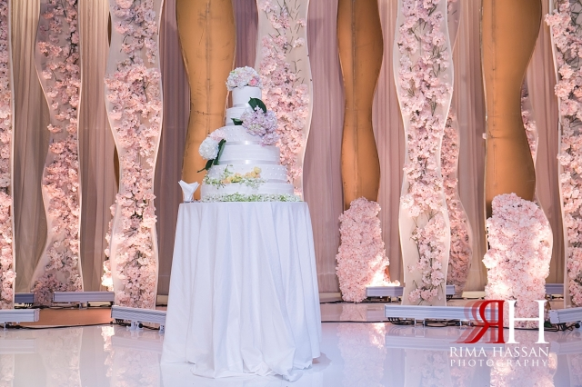 InterContinental_Festival_Wedding_Female_Dubai_Photographer_Rima_Hassan_dream_kosha_stage_decoration_cake