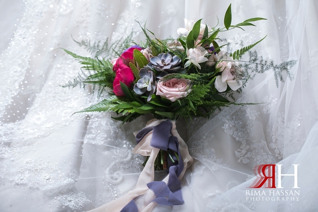 InterContinental_Wedding_Female_Dubai_Photographer_Rima_Hassan_bride_bouquet_tulipano