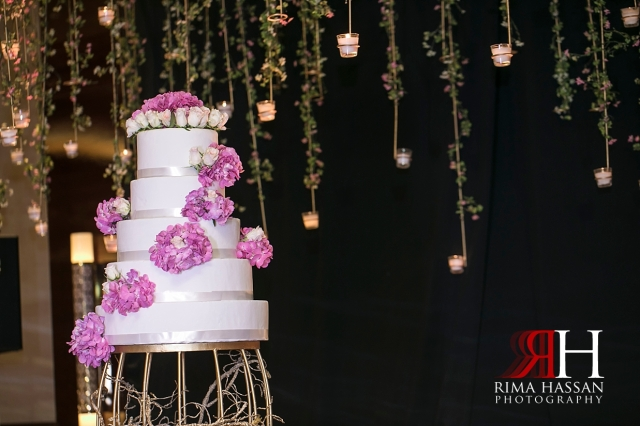 InterContinental_Wedding_Female_Dubai_Photographer_Rima_Hassan_kosha_stage_decoration_cake