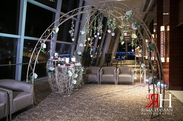 InterContinental_Wedding_Female_Dubai_Photographer_Rima_Hassan_kosha_stage_decoration_entrance
