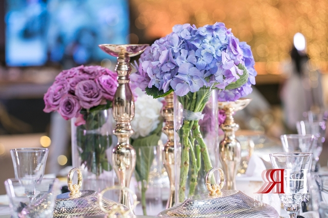 Jawaher_Sharjah_Wedding_Female_Dubai_Photographer_Rima_Hassan_kosha_stage_centerpiece_decoration
