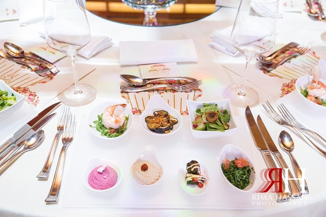 Ritz_Carlton_DIFC_Wedding_Female_Dubai_Photographer_Rima_Hassan_kosha_stage_decoration_dinner_plate