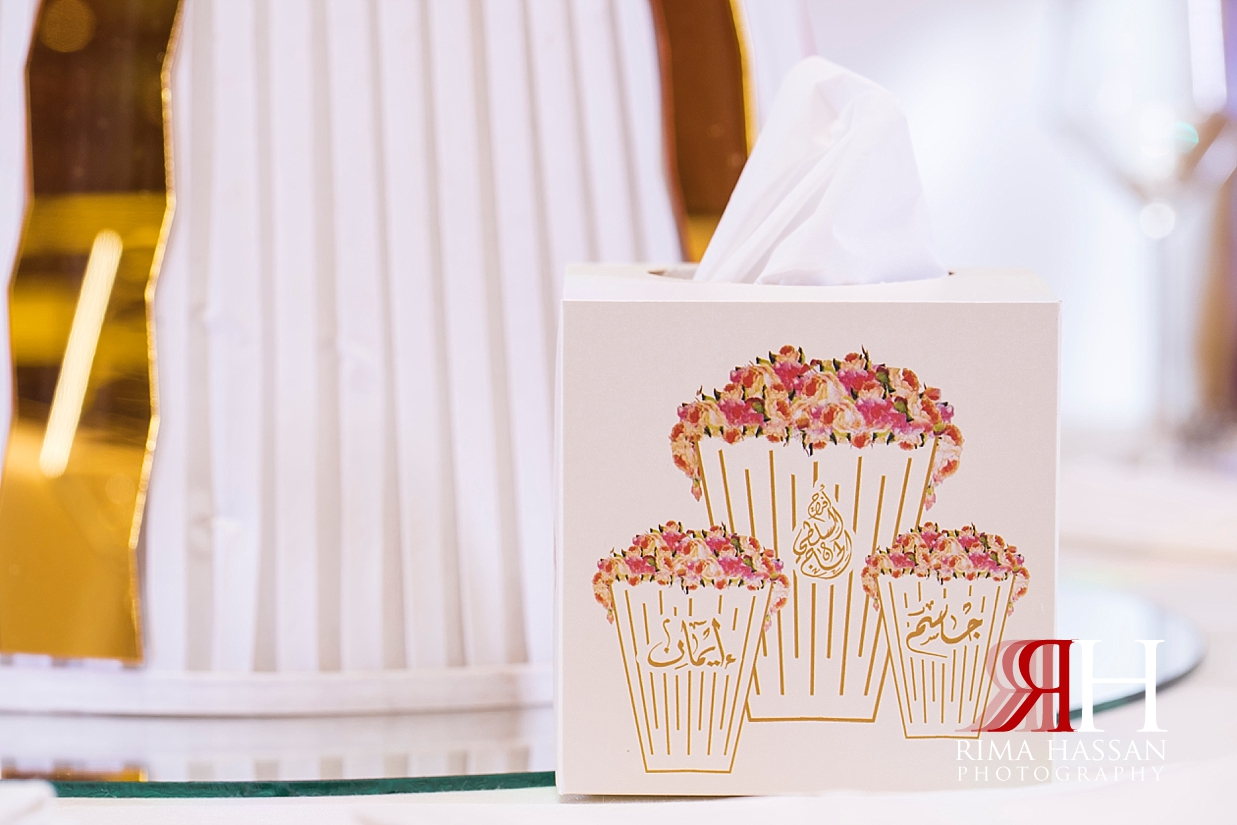 Ritz_Carlton_DIFC_Wedding_Female_Dubai_Photographer_Rima_Hassan_kosha_stage_decoration_tissue_box