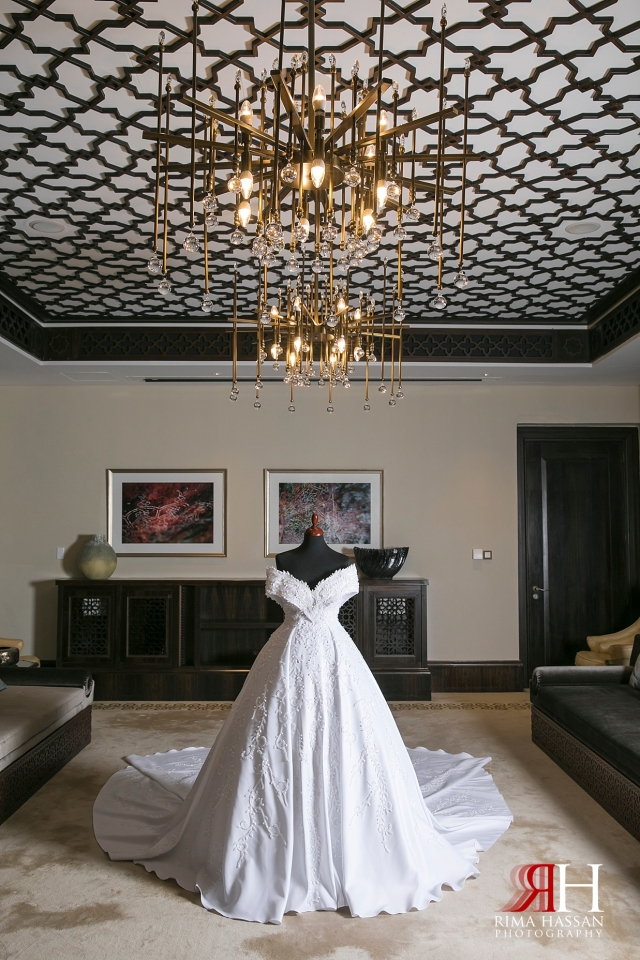 Saint_Regis_Saadiyat_Abu-Dhabi_Wedding_Female_Dubai_Photographer_Rima_Hassan_bride_dress_yen