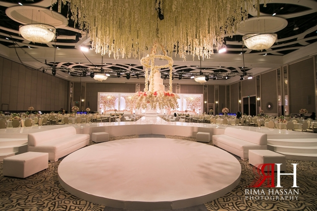Saint_Regis_Saadiyat_Abu-Dhabi_Wedding_Female_Dubai_Photographer_Rima_Hassan_kosha_stage_decoration