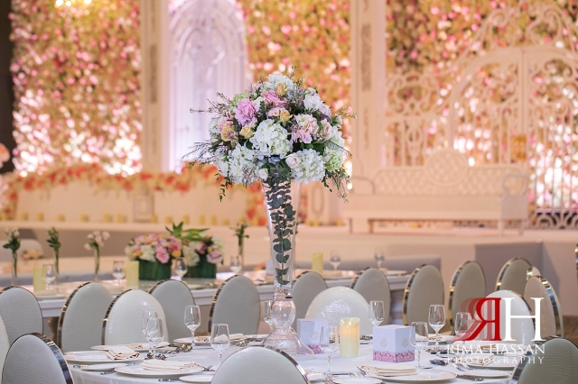 Saint_Regis_Saadiyat_Abu-Dhabi_Wedding_Female_Dubai_Photographer_Rima_Hassan_stage_decoration_kosha_centerpiece