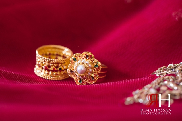 Indian_Henna_Female_Photographer_Dubai_Rima_Hassan_bride_gold_rings