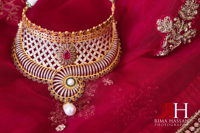 Indian_Henna_Female_Photographer_Dubai_Rima_Hassan_bride_necklace